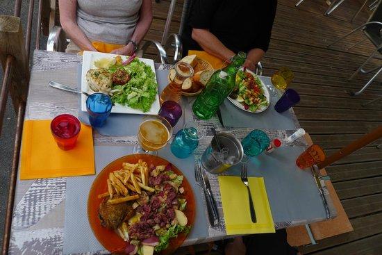 Saint-Victor-la-Coste, France : our meals