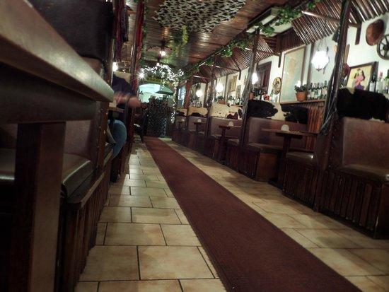 El Churrasco: looking back towards the kitchen