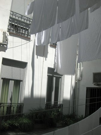 Hostal San Lorenzo: Vista dalla finestra