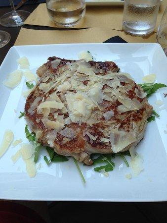 Ristorante L'Atelier dei Sapori Liguri : Steak with Parmesan and Rocket