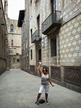 Barrio Gótico: Feliz en Barrio Gotico Barcelona España!!