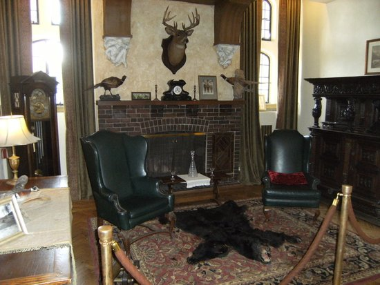Casa Loma: Man cave, Victorian style