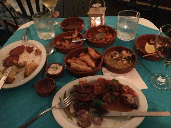 Cafe Bar Carizma: The spanish tapas