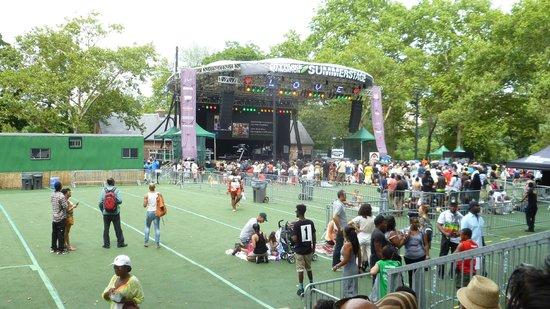 中央公園夏日舞台