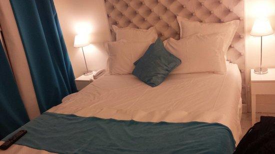 Hotel B Square : Chambre double