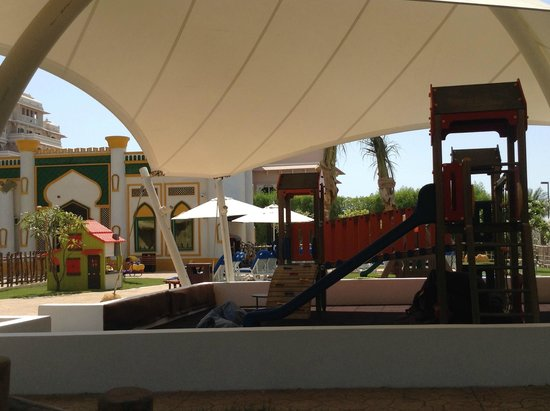 Jumeirah Zabeel Saray: Very well equipped & secure new play area