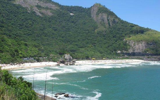 Prainha Beach: encravada entre as Montanhas