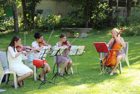 Club Med Chamonix Mont-Blanc : Le quatuor à cordes (animation l'après-midi, durant certains apéritifs et en soirée)