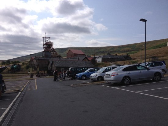 Big Pit:  National Coal Museum: Big pit from the car park