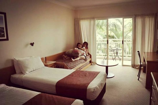 Tangalooma Island Resort: Our room is ok only.. However spacious enough for 4 paxs but 2 of us stayed only..