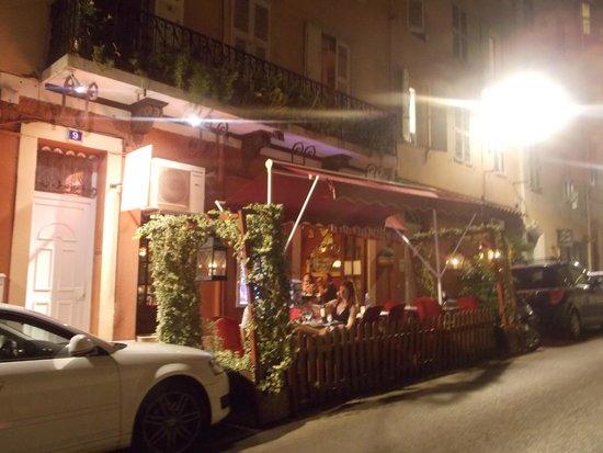 Le Salon des Indépendants : petite terrasse du salon des indépendants