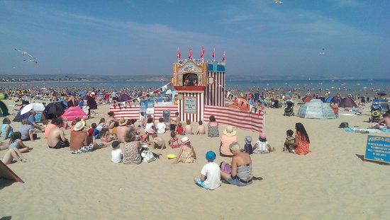 Punch and Judy show on wonderful Weymouth beach