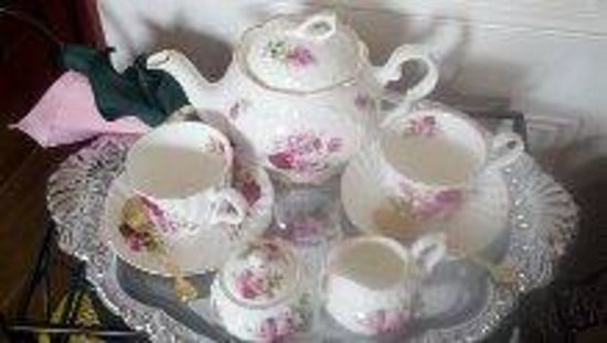 Delta, PA: .another one of our beautiful sets of fine english china