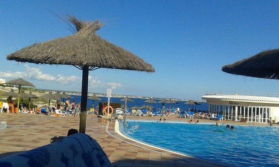 Globales Club Almirante Farragut Hotel: La piscina...