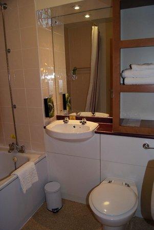 Premier Inn Glasgow (Milngavie) Hotel: bagno