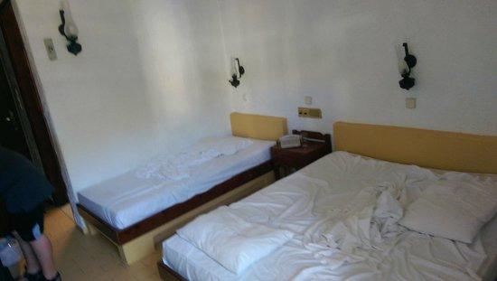 Despo Hotel: concrete beds