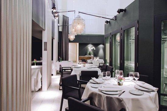 Vista Interior Del Restaurante Palacio De Cibeles Picture