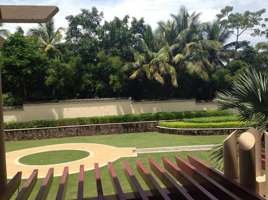 Hilton Sanya Yalong Bay Resort & Spa : вид из номера Delux