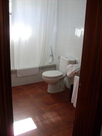 Hotel HL Río Playa Blanca: Bathroom