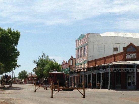 Allen Street : Old town Tombstone