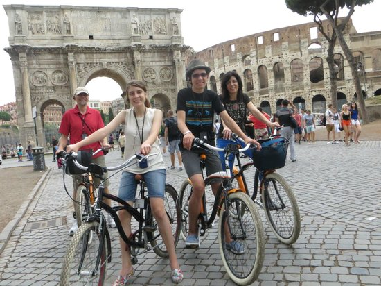 Italy Cruiser Bike Tours - Rome : Colosseum