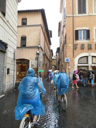 Italy Cruiser Bike Tours - Rome : Rain can't stop us!