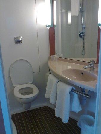 Ibis Nottingham Centre: Bathroom 2