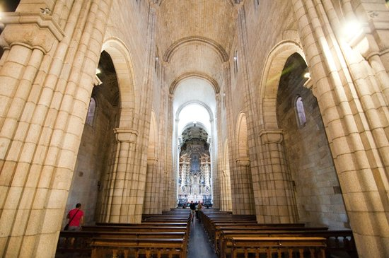 Porto Cathedral (Se Catedral): Kirkerummet