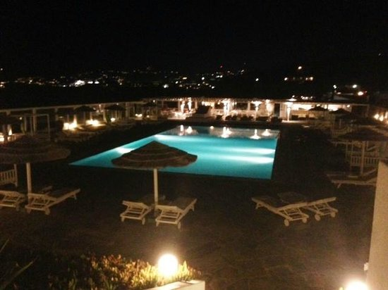Mykonos Bay Hotel: Pool Area at night