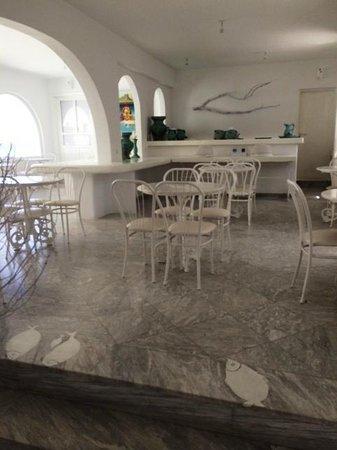 Mykonos Bay Hotel: Breakfast area