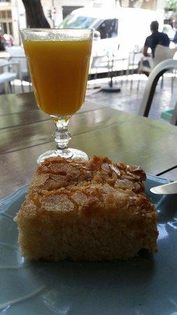 La Petite Brioche: Geweldig lekkere Coco de llanda en een verse zumo de naranja