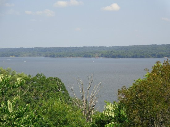 George Washington's Mount Vernon: Looking out on the Potomac
