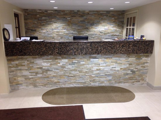 Country Squire Resort & Spa : New front desk