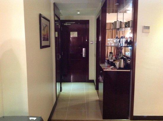 Crowne Plaza Hotel Nairobi: Entry