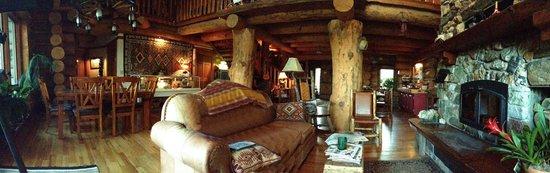 Buffalo Rock Lodge : View of the main sitting area