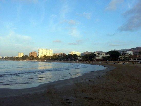 Voramar Restaurante: amanecer playa voramar