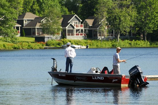 Fishing on sparrow lake picture of bayview wildwood for Ontario fishing resorts