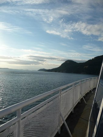 WESTCOAST Sightseeing: Relaxing ferry ride from Vancouver Island away from the crowd inside
