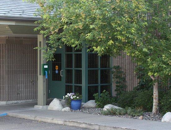 Riversage Billings Inn: Entrance
