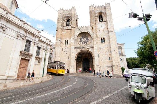 Se de Lisboa ( Igreja de Santa Maria Maior ): Facaden
