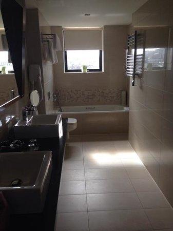 Ashling Hotel : bathroom