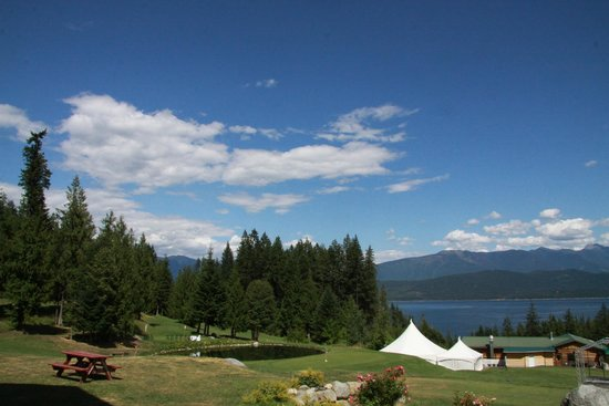 Kootenay Lakeview Spa Resort & Event Centre: View from hotel