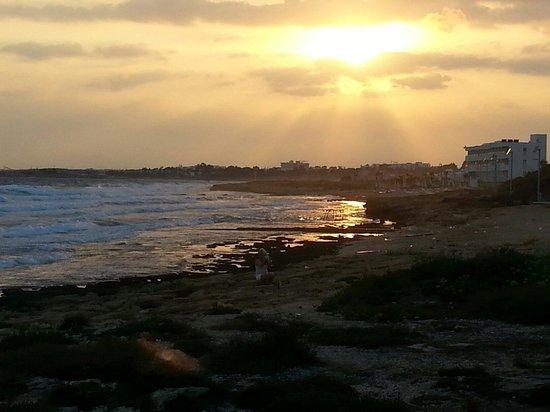 Electra Holiday Village: Walk along coast :)