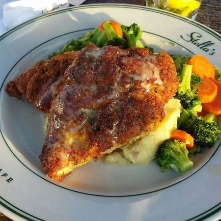 Stella's Fish Cafe : The best Crusted chicken I've ever had