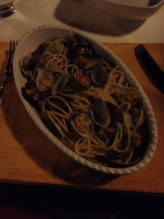 Osteria Nero D'avola : Tasty Pasta with Clams