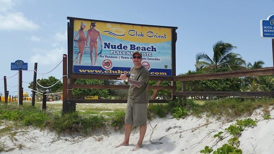 Bernard's Tours : Orient Beach.  Careful which direction you look!