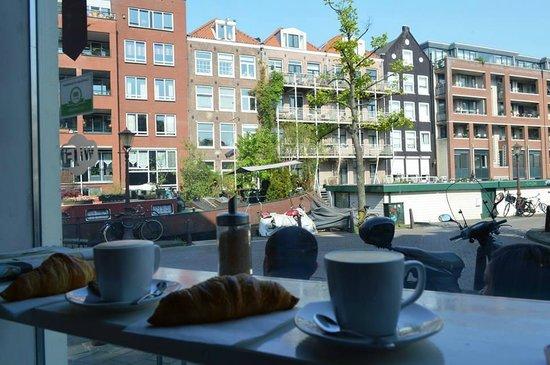 Moods Coffee Corner: Colazione all'italiana