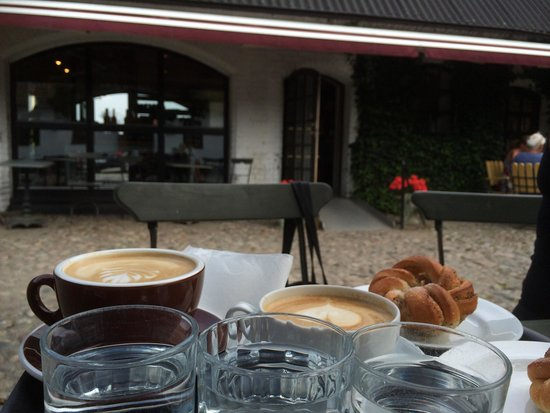 Latte, Cappuccino & kardemummabulle.