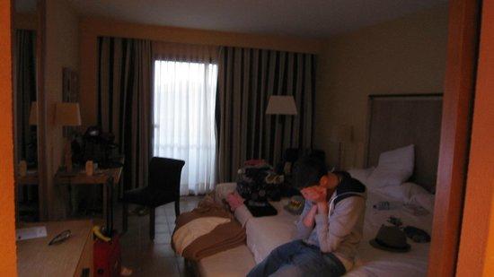 Hesperia Lanzarote: Main room very untdiy due 2x teenagers!!)
