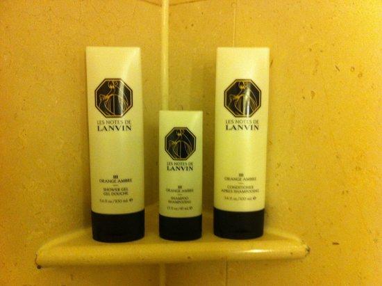 Sofitel New York: très agréables, les produits d'accueil Lanvin...